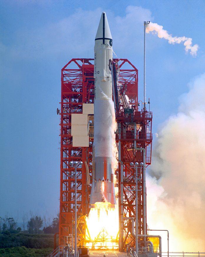Atlas Centaur - Surveyor 1 Launch [Wikimedia]