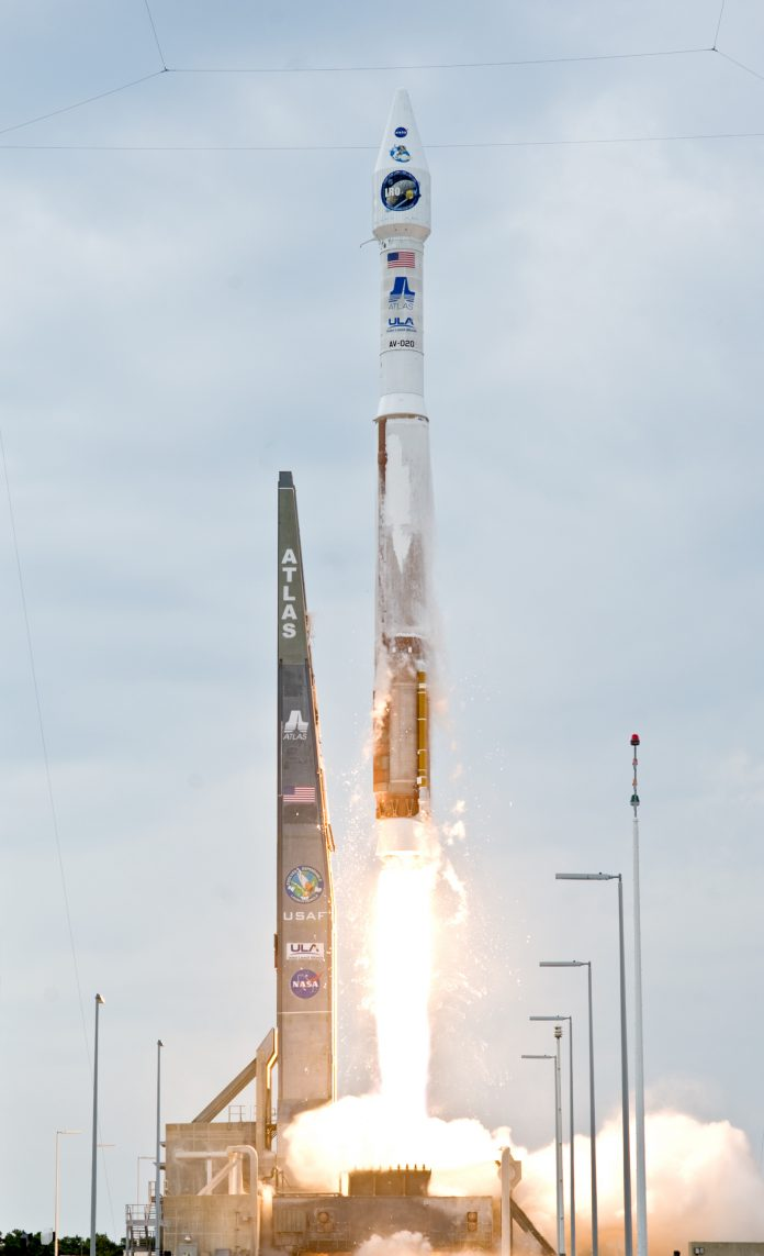 Atlas V (401) Launch with LRO and LCROSS (Wikimedia)